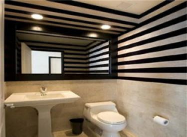 长方形卫生间装修效果图 小空间也能装出新花样