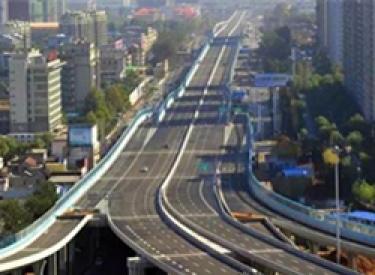 于洪:为建设美丽和谐新城区提供坚强保证