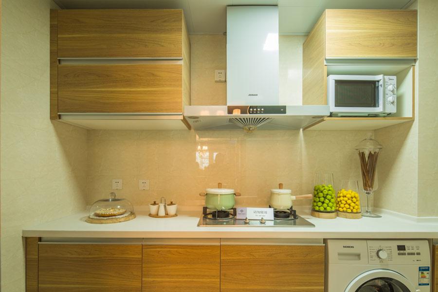 95平两室两厅一卫厨房