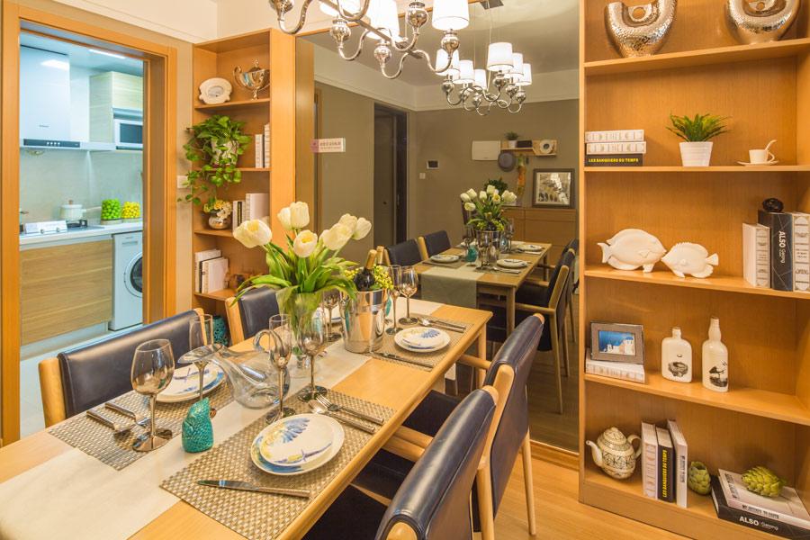95平两室两厅一卫餐厅