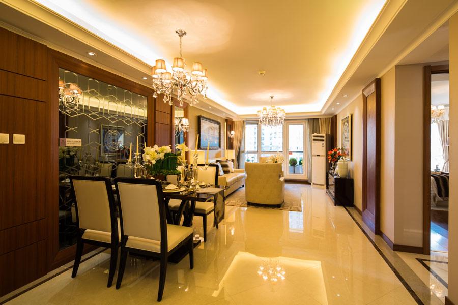 140平三室两厅两卫餐厅