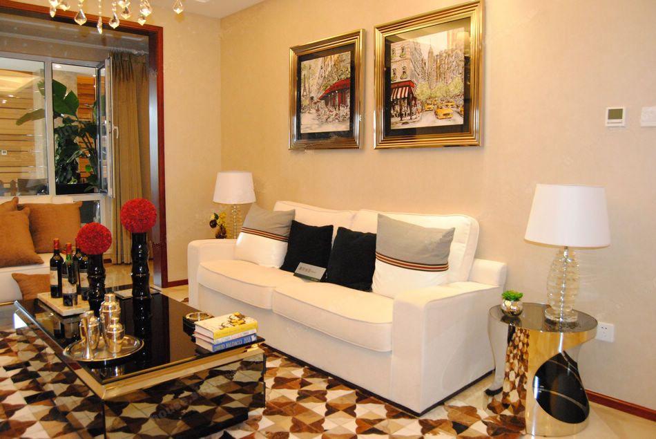 88平两室两厅一卫客厅