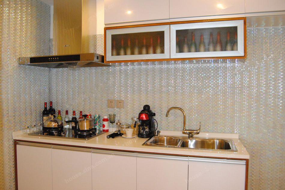 80平两室两厅一卫厨房