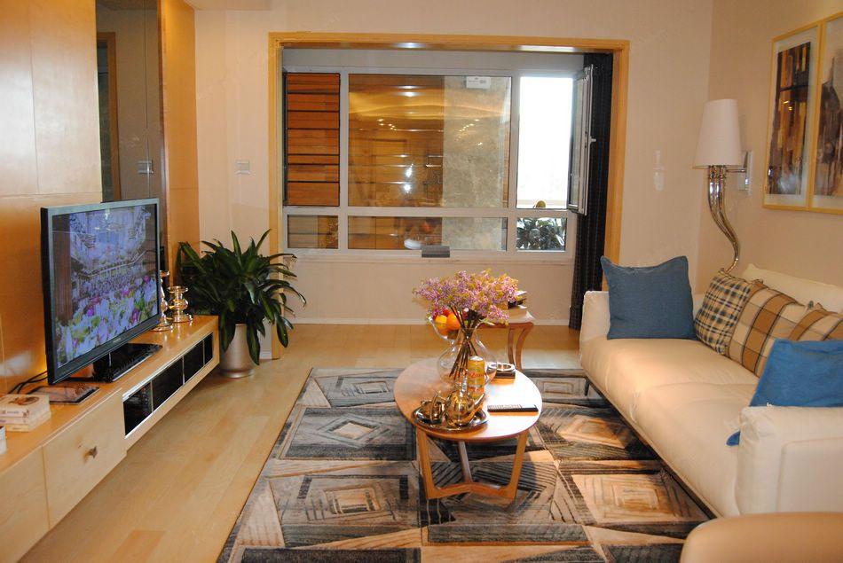 80平两室两厅一卫客厅