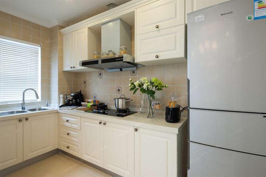 125平三室两厅两卫厨房