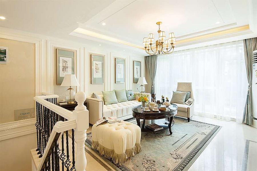 125平三室两厅两卫客厅
