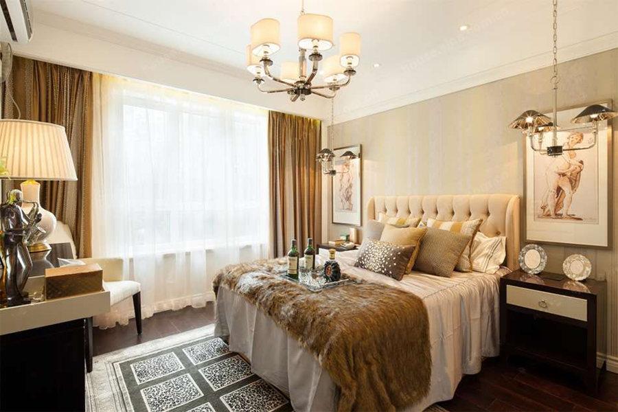 125平三室两厅两卫卧室