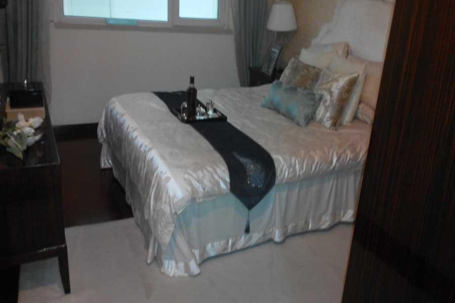 84平两室两厅一卫卧室