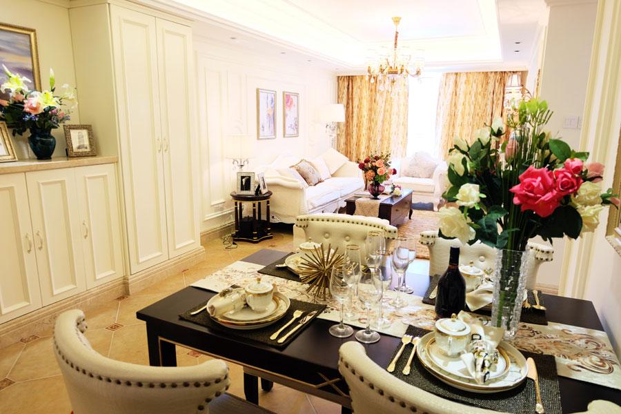 89平三室两厅一卫客厅