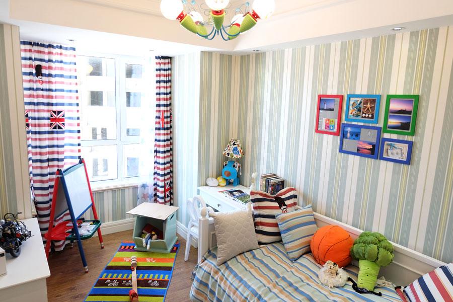 89平三室两厅一卫儿童房