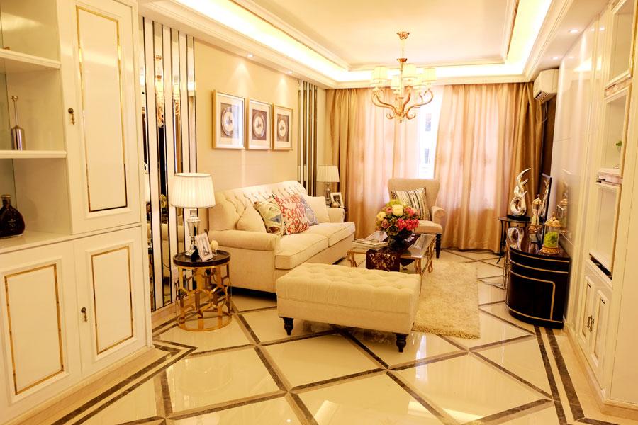 73平两室两厅一卫客厅