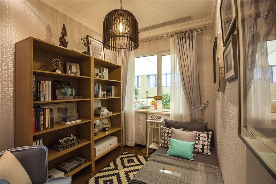 高层85平三室两厅一卫户型客房