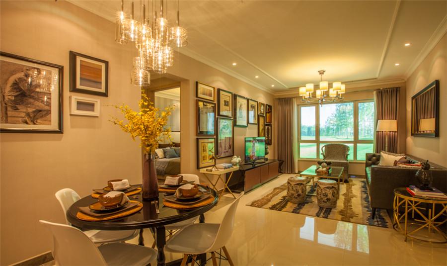 高层85平三室两厅一卫户型客厅
