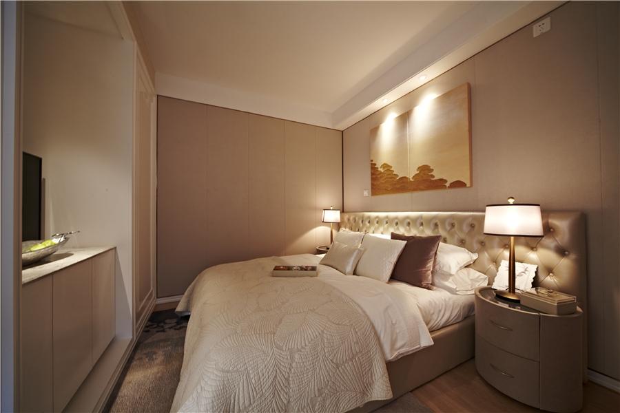 68平二室二厅一卫卧室
