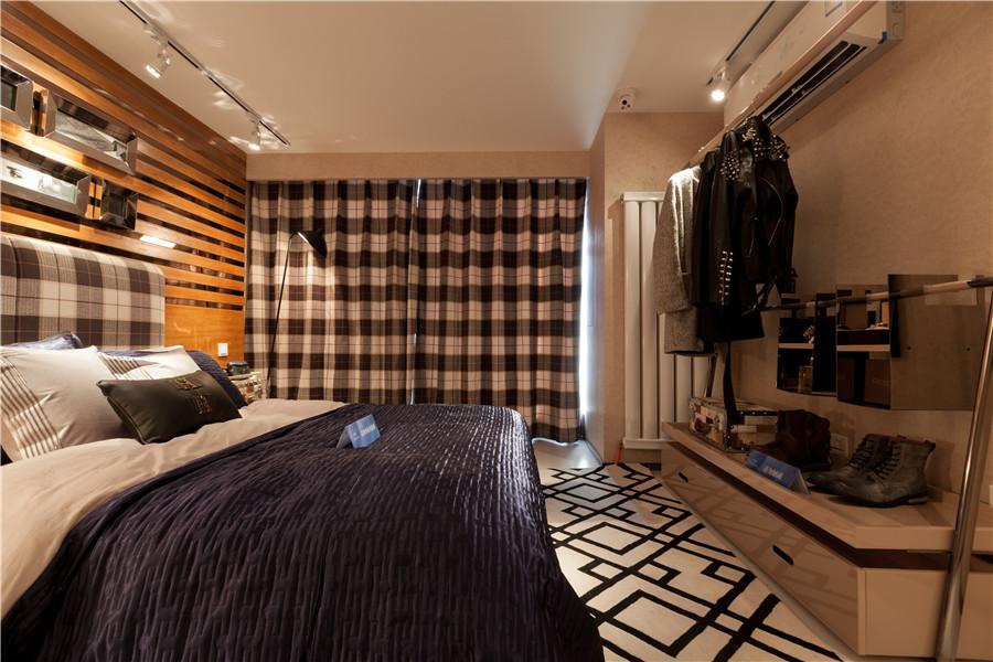 loft二室二厅一卫卧室