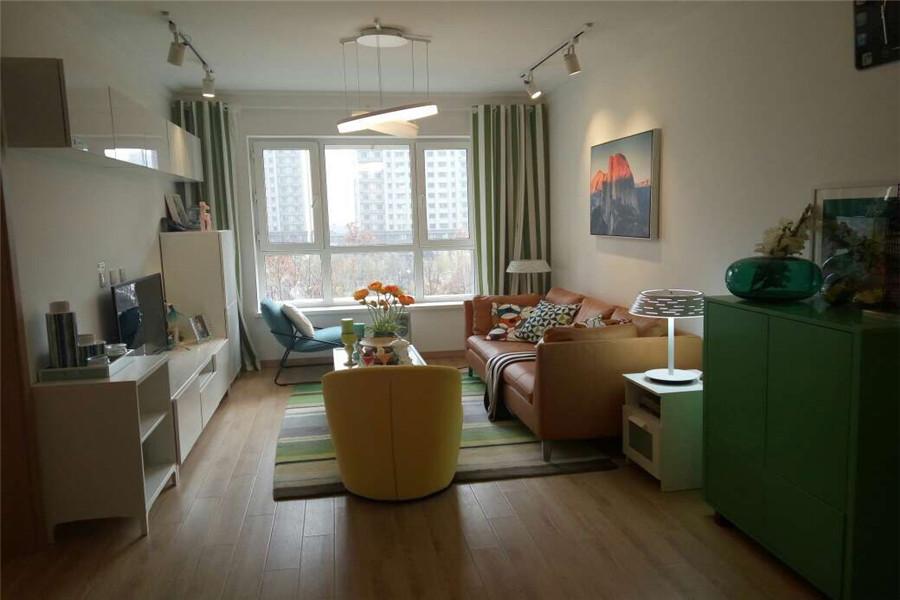 90平两室两厅一卫客厅
