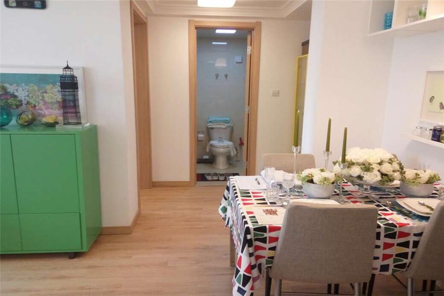 90平两室两厅一卫餐厅