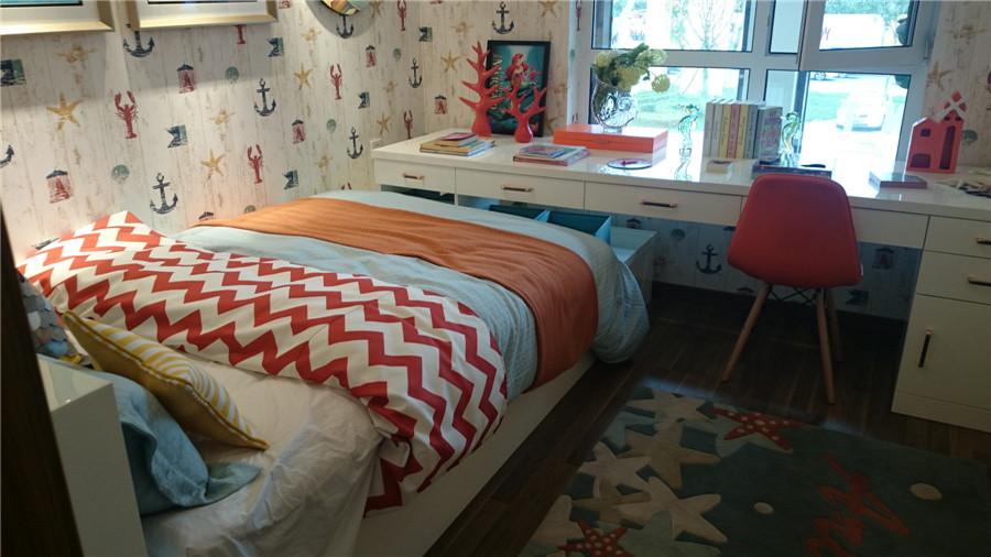 110平3室2厅1卫卧室样板间