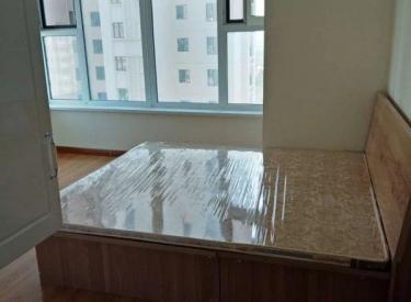 出租全新家具家电。碧桂园凤凰城9楼110平三室精装南北通透。