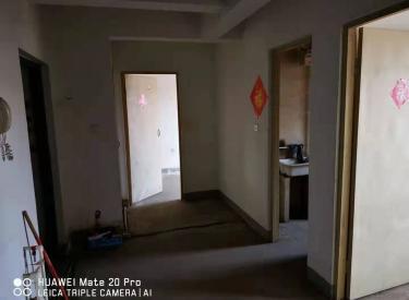 保利回迁四期6楼清水房两室面积大可备家具价低出租
