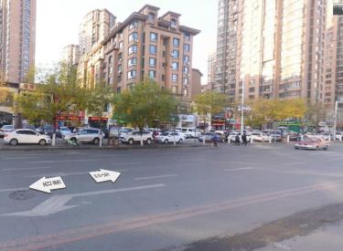 (出租) 云峰北街地铁口附近 位置好人流多