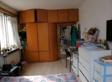 126总校 四楼三室   急售  79平95万 随时看房空户