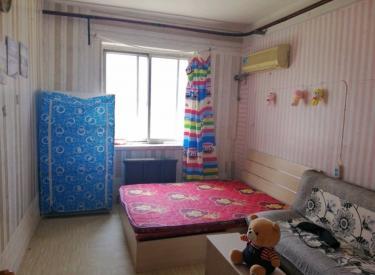 宝环社区 南市地铁出口旁  45平小两室900 可月付