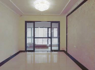 三室一厅一厨两卫,楼层好,采光好,交通方便