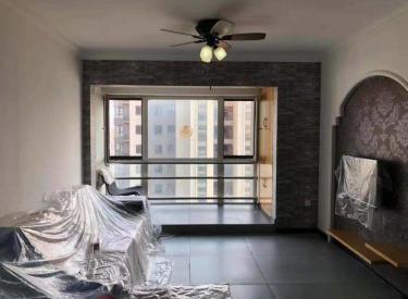 长白新加坡城 房主急售两室南北精装修 满五年看房方便