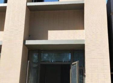 (出售)雅居乐一期南门第一家门市出售,旁边就是学校,客流量大,现房!