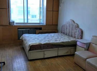 迎新社区 3室 1厅 82㎡ 急卖价可议