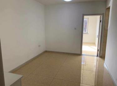 万山北苑一室一厅精装修,首次出租,看房方便,