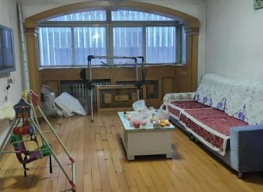 中海寰宇对面 大3室 干净整洁 适合朋友合租 淮河小区
